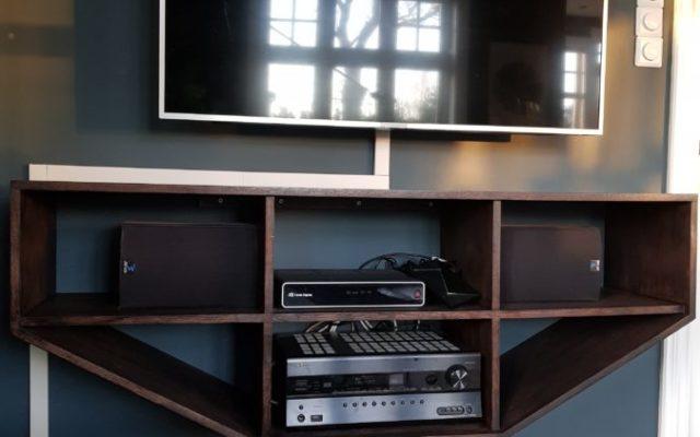 Tv-benk i limtre eik